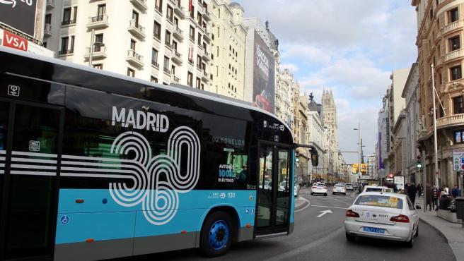 El autobús 001, en su trayecto.