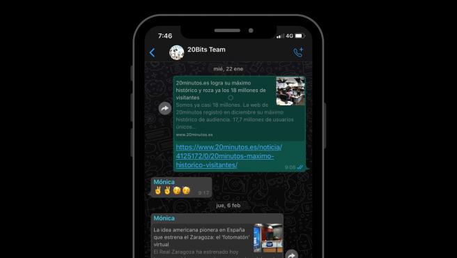 Si tienes habilitado en tu móvil el modo oscuro, WhatsApp lo pondrá automáticamente.