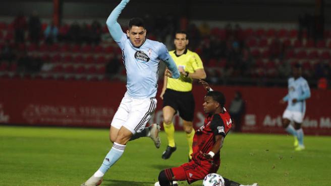 Gabriel 'Toro' Fernández, en un partido con el Celta.