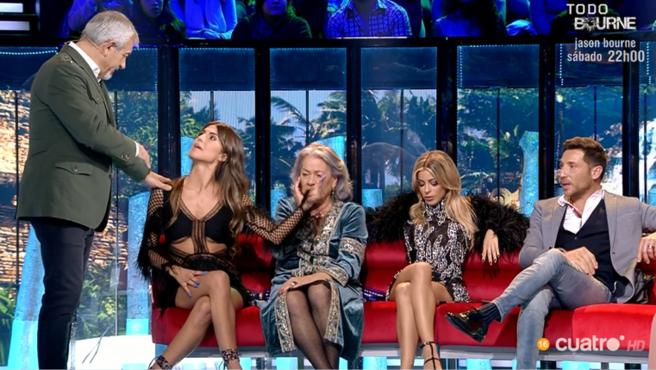 Carlos Sobera abronca a Oriana Marzoli y Carmen Gahona en 'Supervivientes 2020'.
