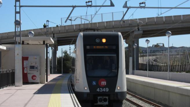 Tren de Metrovalencia en imagen de archivo