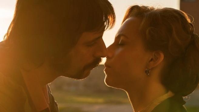 'El ministerio del tiempo': Besos, teaser y cartel de la cuarta temporada