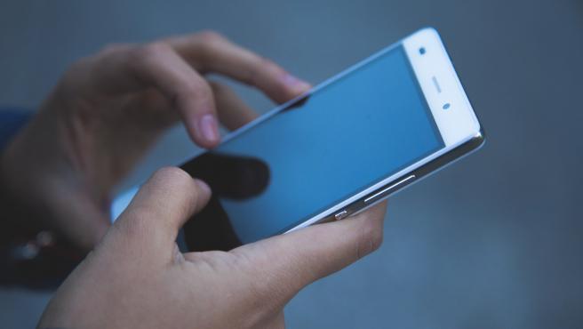Bloquea tu móvil y haz copias de seguridad como medida de prevención