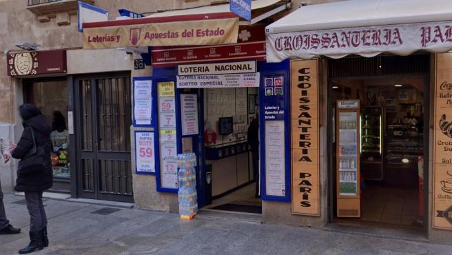 Fachada de la administración de Loterías de Salamanca ubicada en la Rúa Mayor.