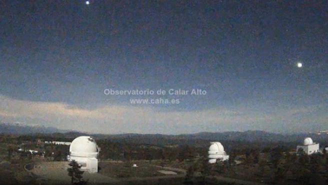 Bola de fuego detectada por la estación de detección de bólidos de Calar Alto