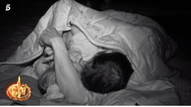 Ivana Icardi y Hugo Sierra duermen juntos en 'Supervivientes 2020'.