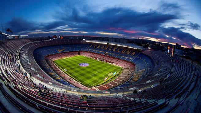 El Camp Nou, completamente vacío.