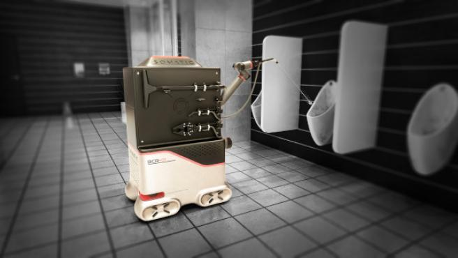 El robot limpiador de Somatic, en acción en un baño