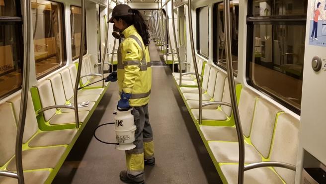 La Generalitat refuerza los protocolos de limpieza en instalaciones y material móvil de Metrovalencia, TRAM d'Alacant, TRAM de Castelló y autobuses interurbanos