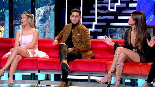 Gloria Camilia, Christofer Guzmán y Sofía Suescun en el plató de 'Supervivientes 2020'.