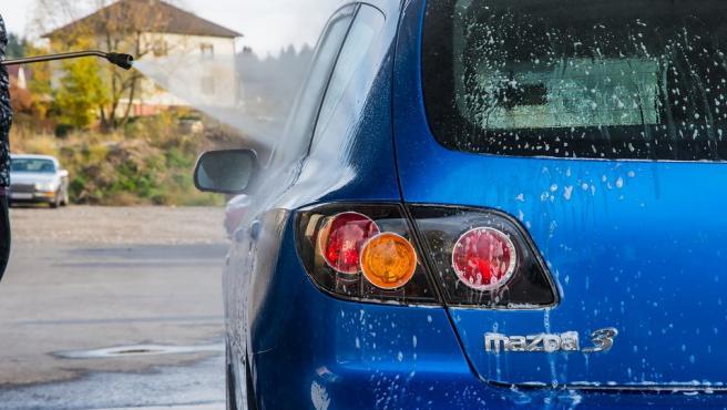 Las medidas de higiene que se han recomendado en todo el mundo para frenar el contagio por coronavirus también pasan por crear entornos seguros, como es el habitáculo de los vehículos