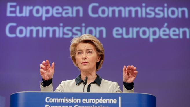 La presidenta de la Comisión Europea, Ursula Von Der Leyen, en rueda de prensa para informar sobre la respuesta económica ante el impacto del coronavirus.