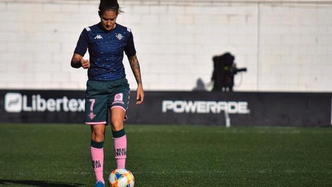 Ana Romero, durante un entrenamiento del Betis.
