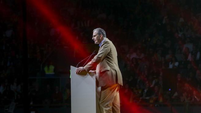 El secretario general de Vox, Javier Ortega Smith, interviene en el acto central de la Asamblea General Ordinaria del partido en el Palacio de Vistalegre.