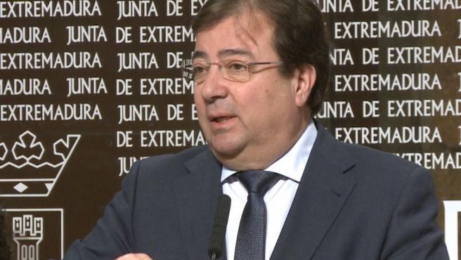 Guillermo Fernández Vara, en una rueda de prensa.