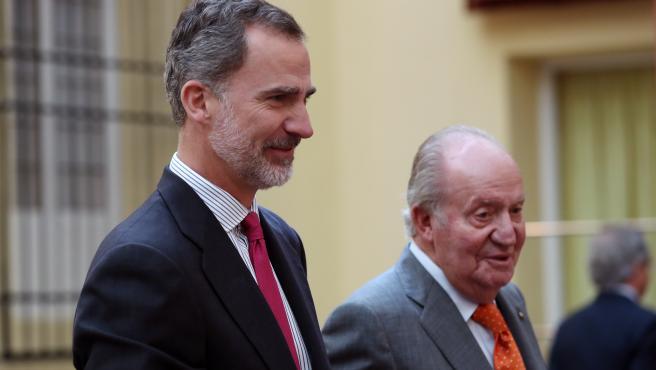 El rey Felipe VI junto a Don Juan Carlos, en una imagen de archivo.