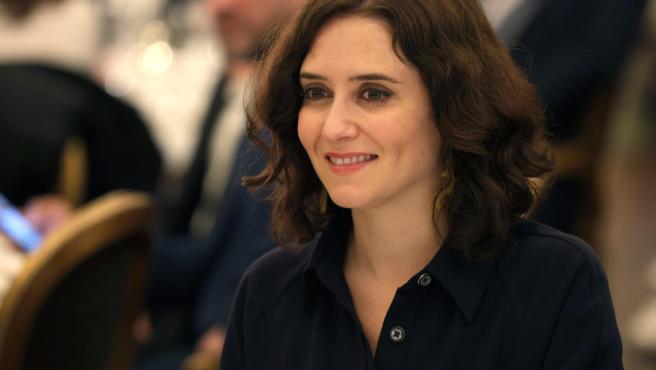 La presidenta de la Comunidad de Madrid, Isabel Díaz Ayuso, ha confirmado en su cuenta de Twitter que es positivo en coronavirus.