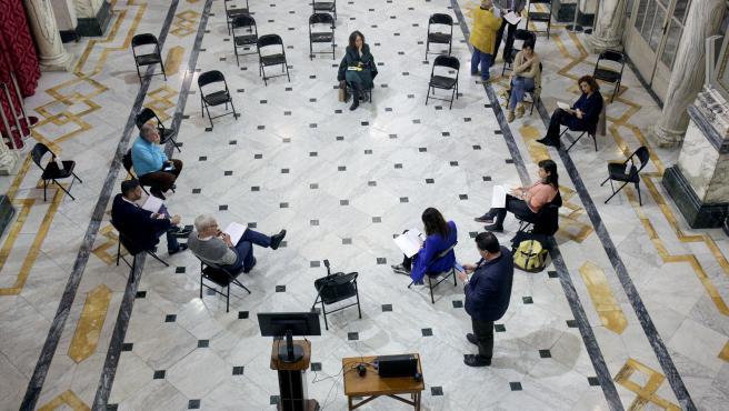Reunión del Gobierno local de València, este lunes, en el Salón de Cristal del Ayuntamiento.