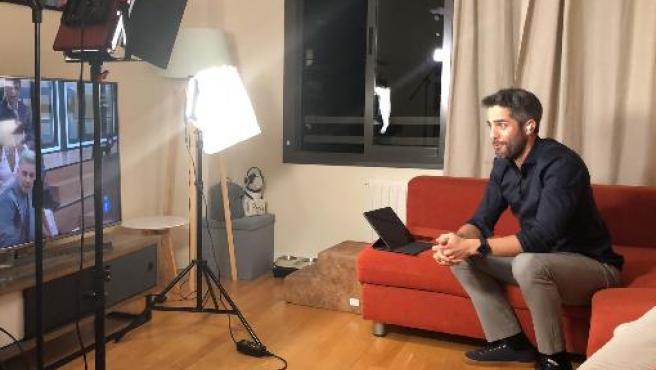 Roberto Leal, presentando 'OT 2020' desde su casa.