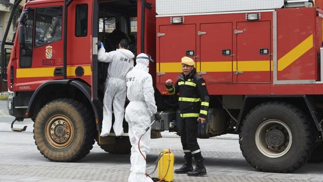 Militares de la UME protegidos se despliegan por Santander en el segundo día laborable del estado de alarma por el coronavirus, Santander, Cantabria (España), a 17 de marzo de 2020.