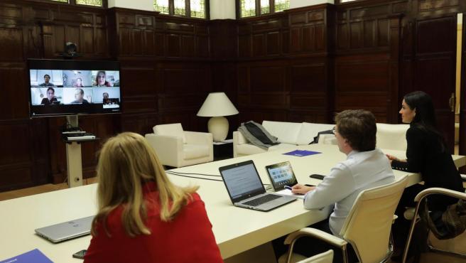 Almeida preside la Junta de Gobierno en una sesión por videoconferencia.