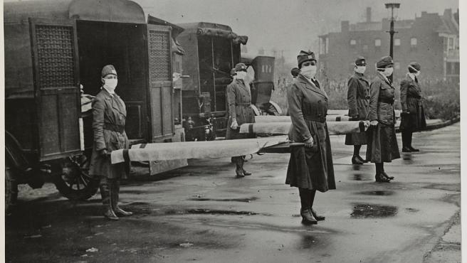 Enfermeras de la Cruz Roja durante la pandemia de gripe española de 1918.