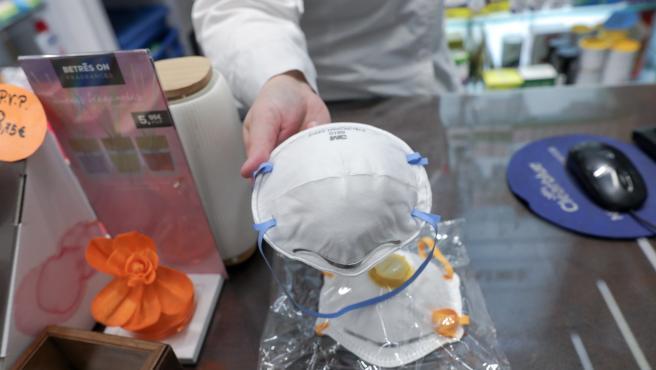 Mascarillas a la venta en una farmacia en Madrid (España) a 2 de marzo de 2020.