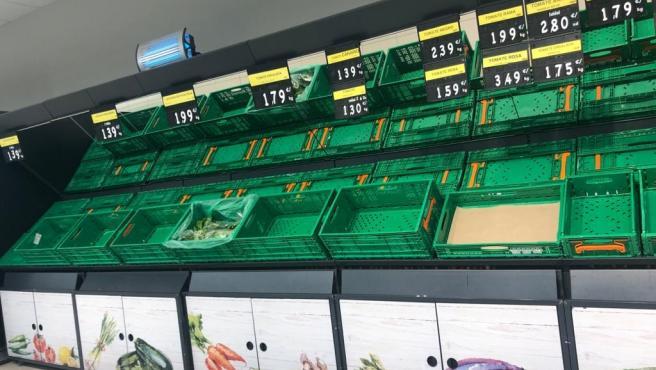 Supermercado vacio en Santiago de Compostela.