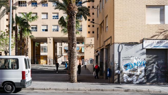 La Generalitat inicia el procés de regularització de 155 vivendes ocupades en el barri del Carmen