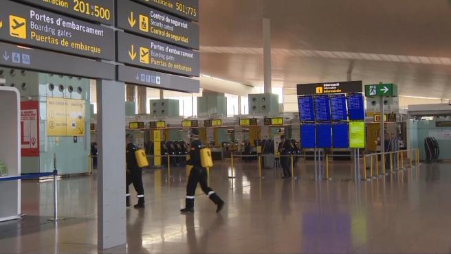 UME realiza desinfección en el Aeropuerto de El Prat