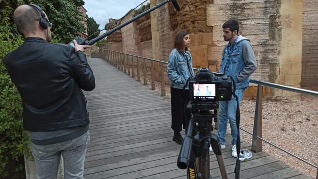 Un momento del rodaje en Córdoba de la segunda película de Alex Sereno, 'Violeta de los días grises'.
