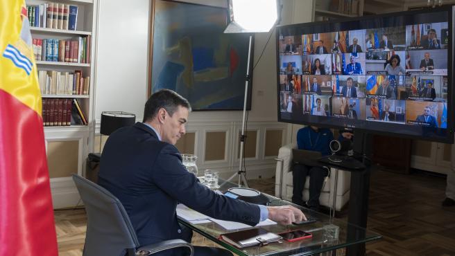 Imagen de la videoconferencia mantenida entre Sánchez y los presidentes autonómicos el pasado 15 de marzo.