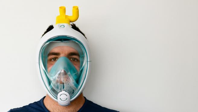Máscara empleada para hacer el respirador.