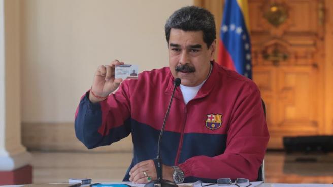 El presidente de Venezuela se descubre como hincha del Barça.