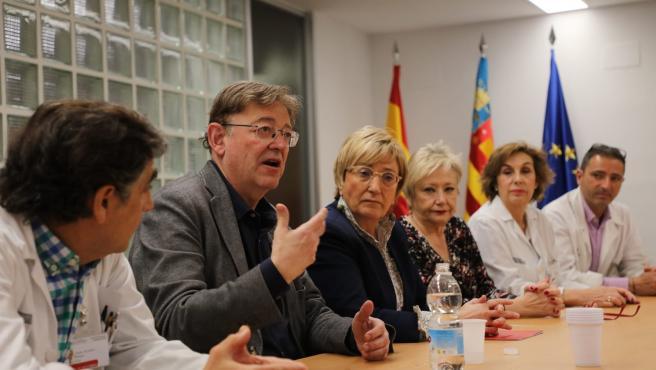 Puig y Barceló en una reunion en el Hospital Clínico