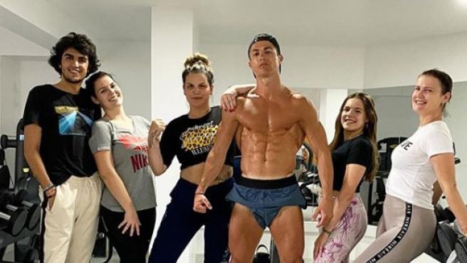 Cristiano Ronaldo, junto a su familia.