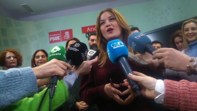 Verónica Pérez antes de la Ejecutiva provincial del PSOE