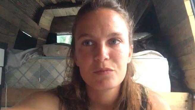 La jove valenciana narra en un vídeo la seua situació a Austràlia