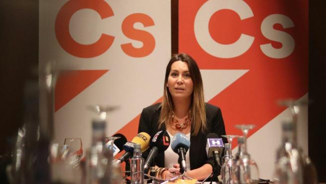 La portavoz de Ciudadanos en Galicia, Beatriz Pino, en una rueda de prensa