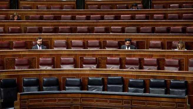 Un momento del pleno celebrado este miércoles en el Congreso de los Diputados en Madrid, que ha contado con una asistencia reducida de parlamentarios a causa de las medidas para contener el coronavirus.