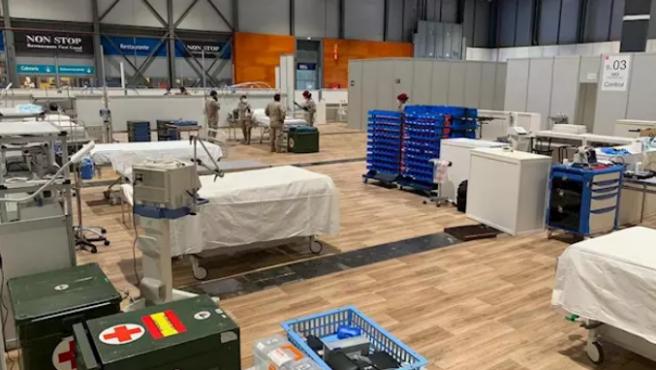 Zapadores Paracaidistas acondicionan el polideportivo de la Universidad de Alcalá de Henares como hospital de campaña para pacientes con coronavirus COVID-19.