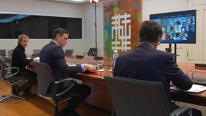 Pedro Sánchez se reúne con el Comité Científico del coronavirus