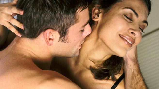 Imagen de una pareja practicando sexo.