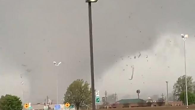 Imagen de un tornado en el estado de Arkansas.