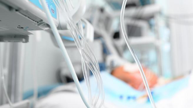 La curva del coronavirus comienza a estabilizarse y el número de altas hospitalarias crece significativamente en nuestro país. Ya son 14.709 los enfermos que han abandonado los hospitales, lo que supone un 20% de los ingresados. Una reducción que, sin embargo, hay que acelerar un poco más para evitar el colapso del sistema sanitario y las UCI.