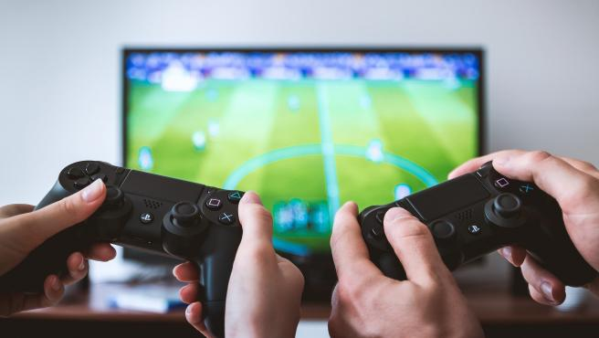 Los videojuegos se clasifican por edades antes de su venta.