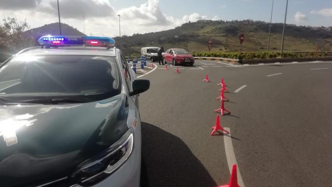 La Guardia Civil realiza controles a vehículos en los principales accesos a Las Palmas de Gran Canaria