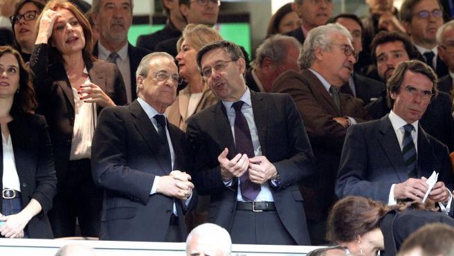 Florentino Pérez y Josep Maria Bartomeu en el palco durante el pasado clásico.