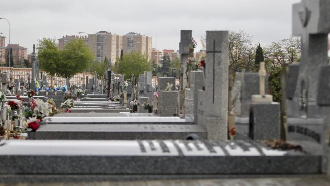 Imagen de un cementerio en el barrio de Carabanchel, en Madrid.