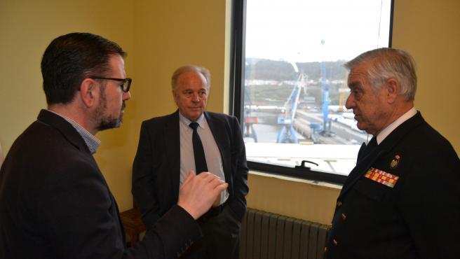 El alcalde de Ferrol, Ángel Mato, visita el nuevo albergue